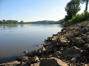 Missouri River by http://www.flickr.com/photos/shotaku/870553709/in/set-72157600194555080